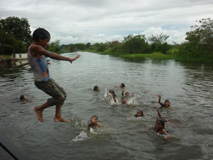 Crianças da Comunidade Carmo do Macacoari