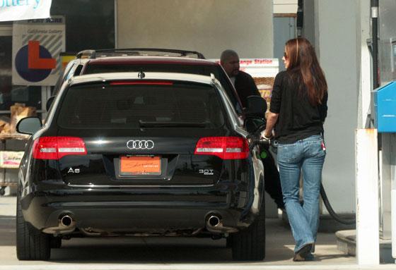Nice Stance Sandra Bullocks Audi A6 Avant Quattroholiccom