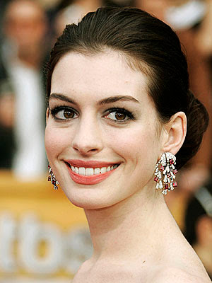 Anne Hathaway Is Gay photo