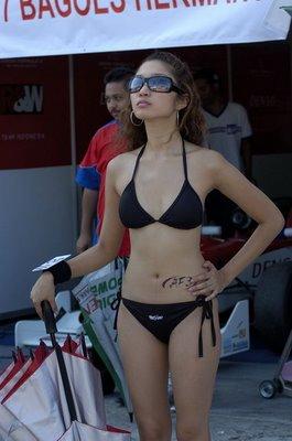 Sexy Umbrella Girls in Sentul Circuit Indonesia