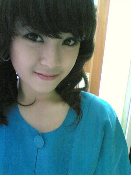 gadis cantik indonesia Pic 1 of 35