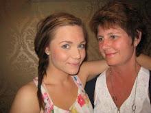 """Mor och dotter sommaren -09 mitt hår har börjat växa ut. """"Till en ängel..."""" av Sonja. A"""