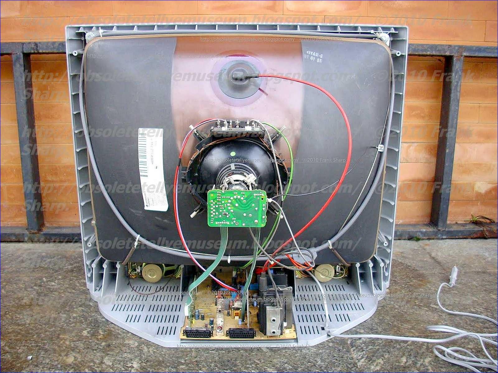 Obsolete Technology Tellye !: MIVAR 29MF101 100HZ CHASSIS CS1118 ...