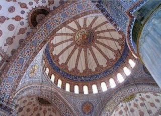 http://3.bp.blogspot.com/_SQ9Uzh8P9h4/S0x9setvh9I/AAAAAAAAAF8/saQqagZSBPk/s320/interior_masjid_biru_turki_10.jpg