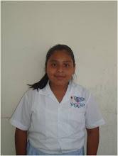 Arlette Moreno López de 6ºA  semifinalista  de oratoria, tema: la familia pilar de la educación