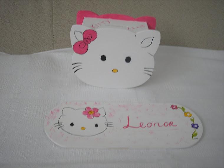 Mealheiro da Kitty  e placa para quarto