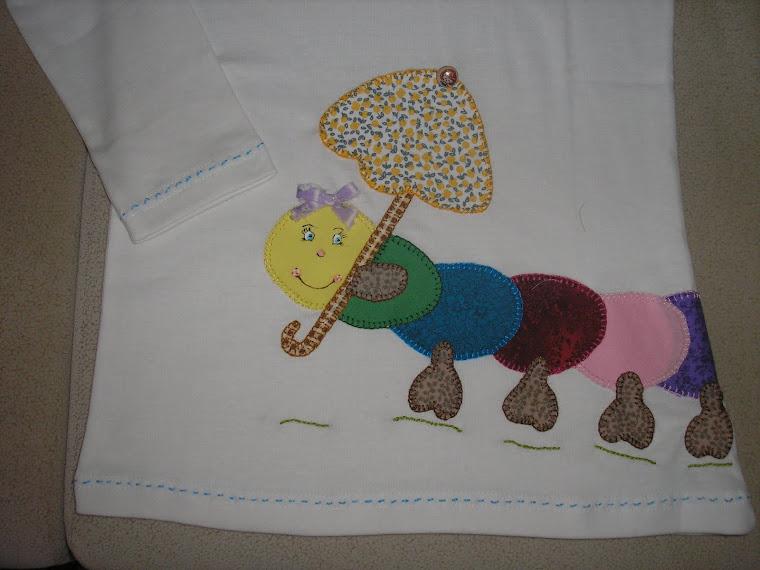 T-shirt com lagarta