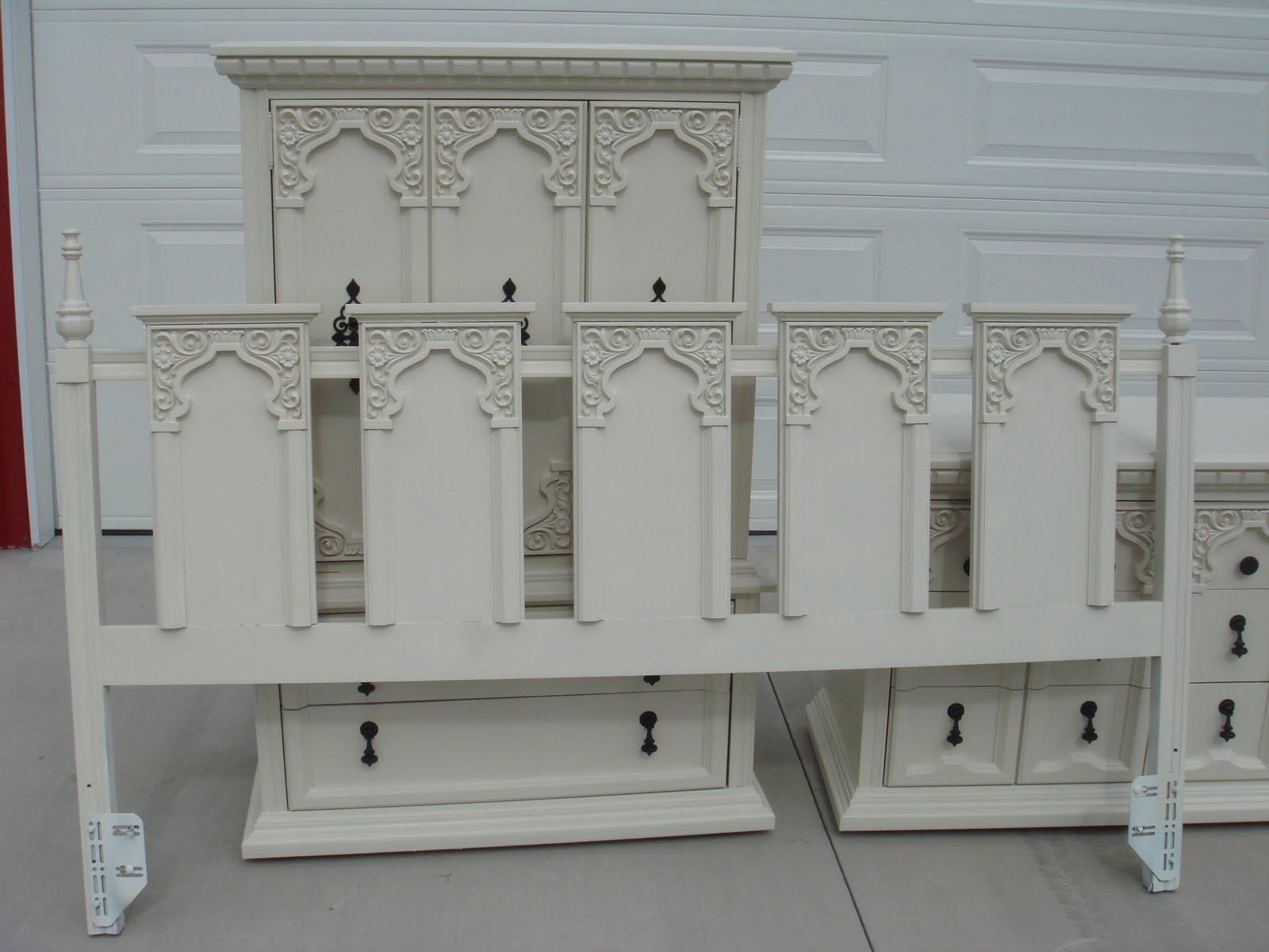 Copperstar Furniture Cream Ornate 7 Piece Bedroom Set