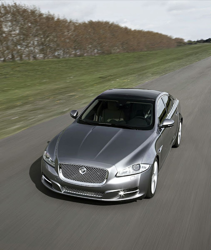 2010 Jaguar XJ Photo
