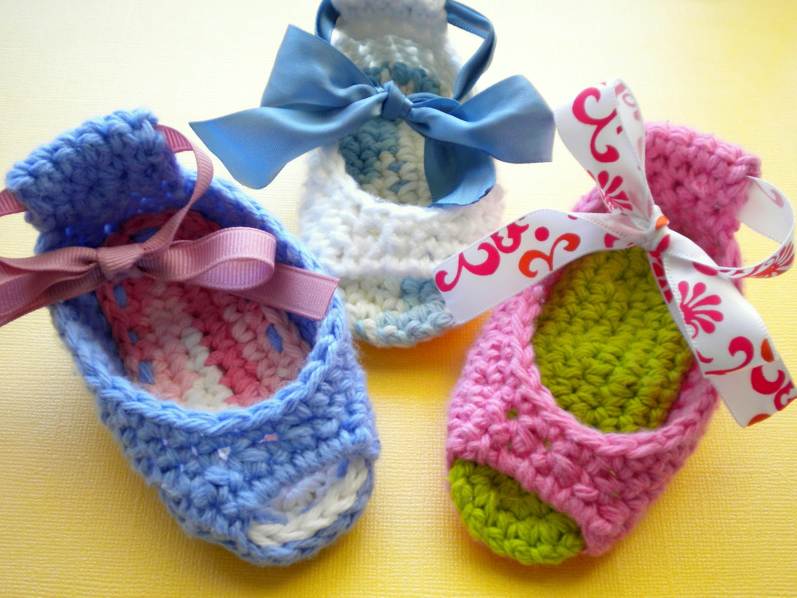 Free Crochet Pattern Of Baby Booties : AnnaVirginia Fashion: Piggy Peeps Baby Shoes *Pattern*