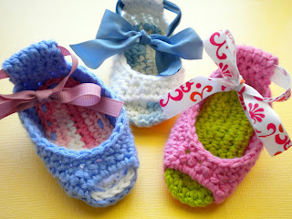 AnnaVirginia Fashion: FREE Crochet Pattern Piggy Peeps Baby Booties