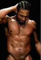 IMAGE: D'Angelo naked torso