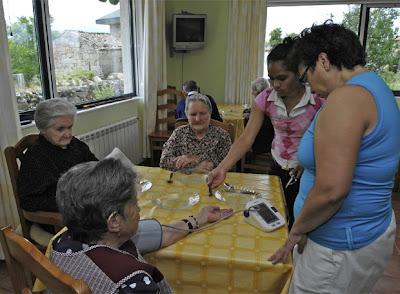 Suicidio gallego una casa en la que envejecer una asociaci n pone una vivienda comunitaria a - Casa para ancianos ...
