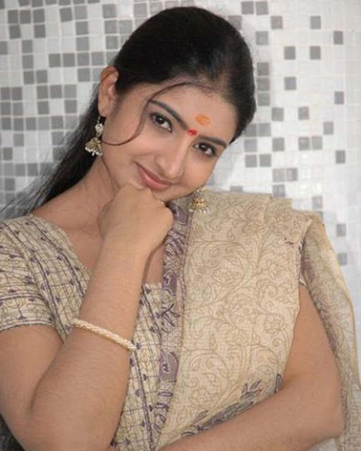 Southindian actress Sujitha hot photogallery gallery pictures