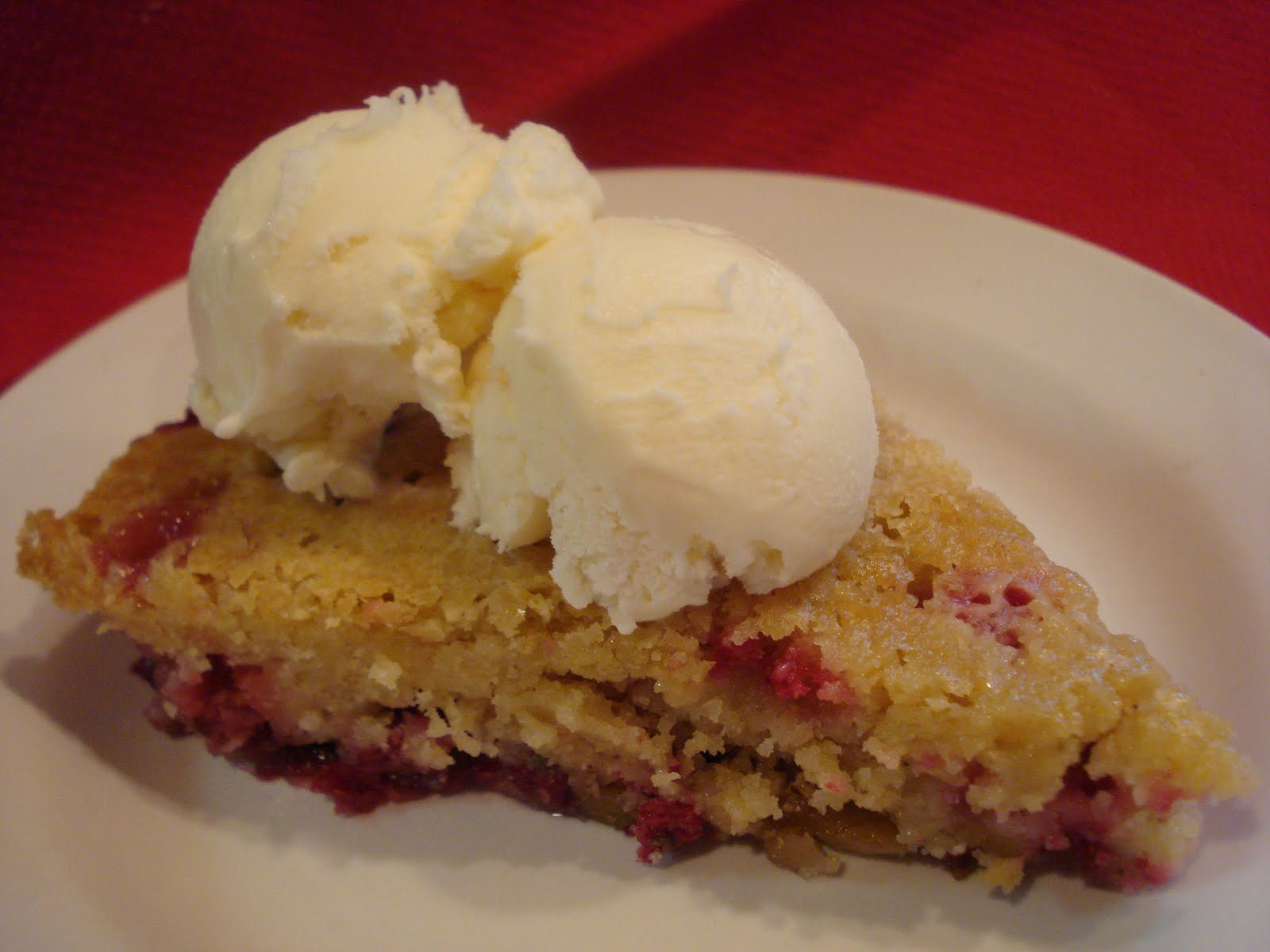 The Cookie Scoop: Nantucket Cranberry Pie