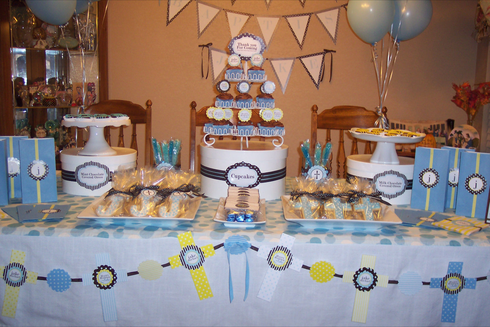 The sugar bee bungalow party bee jake 39 s baptism dessert table - Decorations for a baptism ...