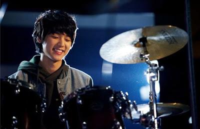 [NEWS] Minhyuk impressiona muitos com sua atuação  20101222_minhyuk_2
