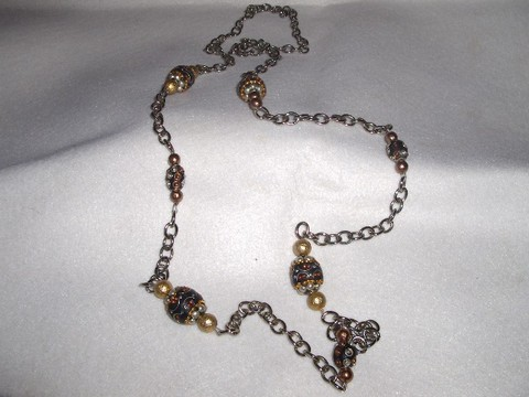 Colar em corrente pratiada, pedras douradas,cobre e bonze