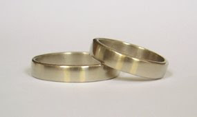 Yellow gold stripe inlaid rings. 2004