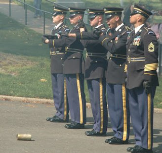 GUNS   Calling Presidential Salute Battery   US Army 3d Infantry Regiment   THE OLD GUARD