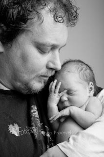 Isa väikese beebiga. Fotostuudio  Fotopesa Tallinnas