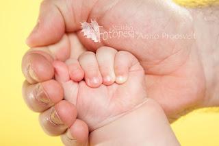 isa ja beebi käed