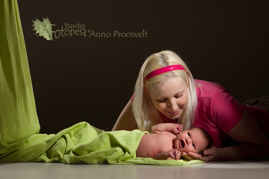 ema ja beebi, Fotostuudio  Fotopesa Tallinnas