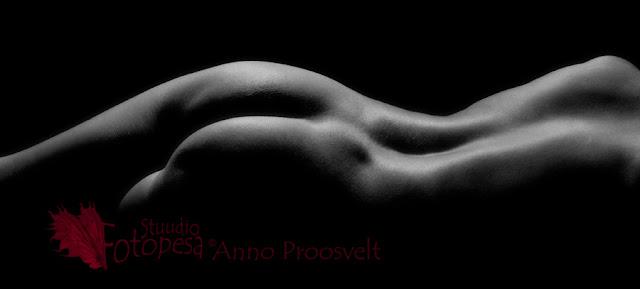 akt, nude- mustvalge foto
