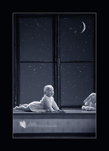 fotostuudios aknal kuu ja tähed