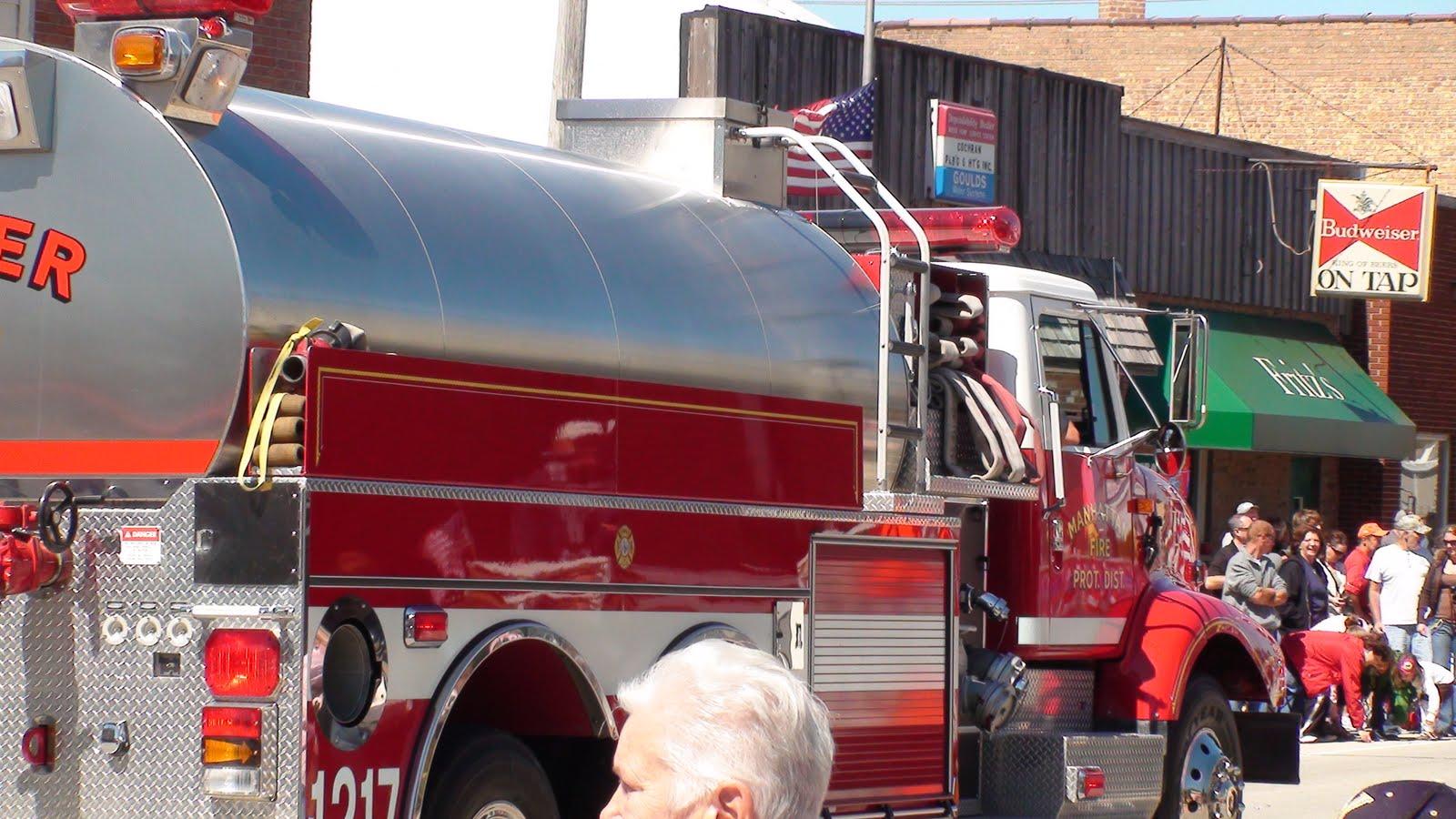 Illinois will county manhattan - Manhattan Fire Department Tanker In The Manhattan Fun Days Parade