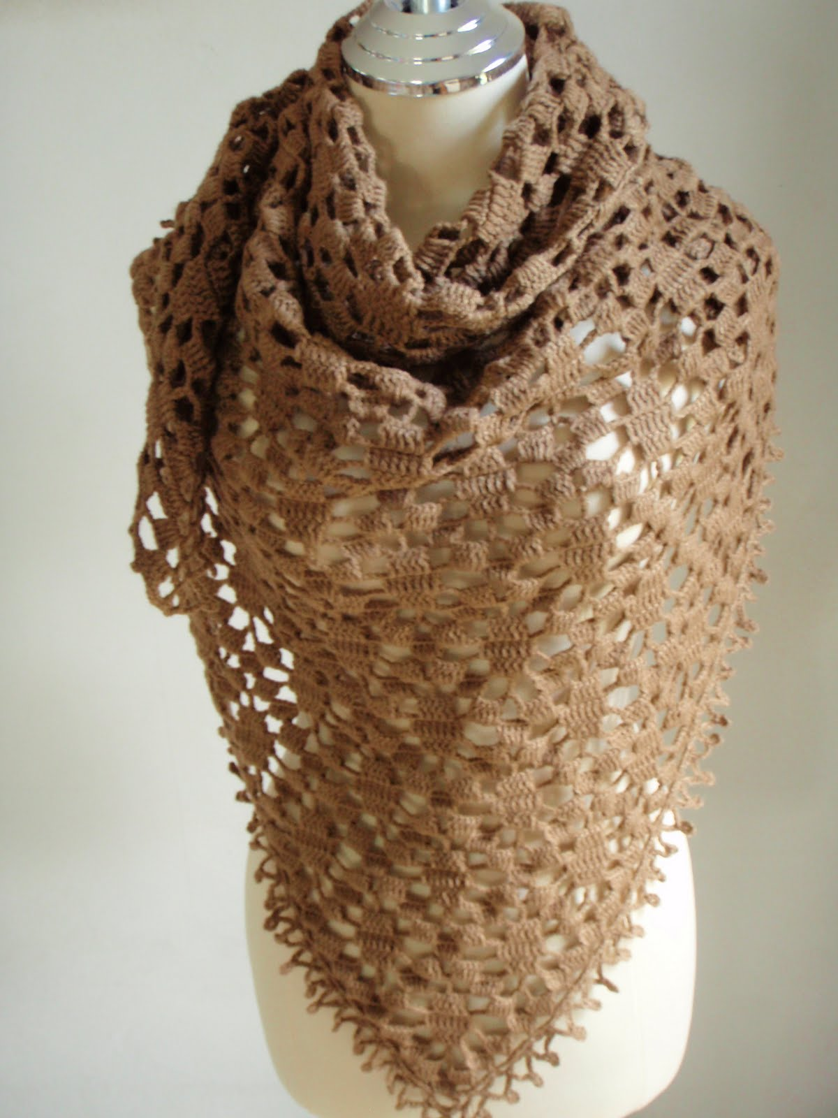Myknittingdaily: Crochet Shawl Triangular Brown