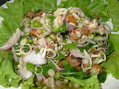 Spicy cockle salad
