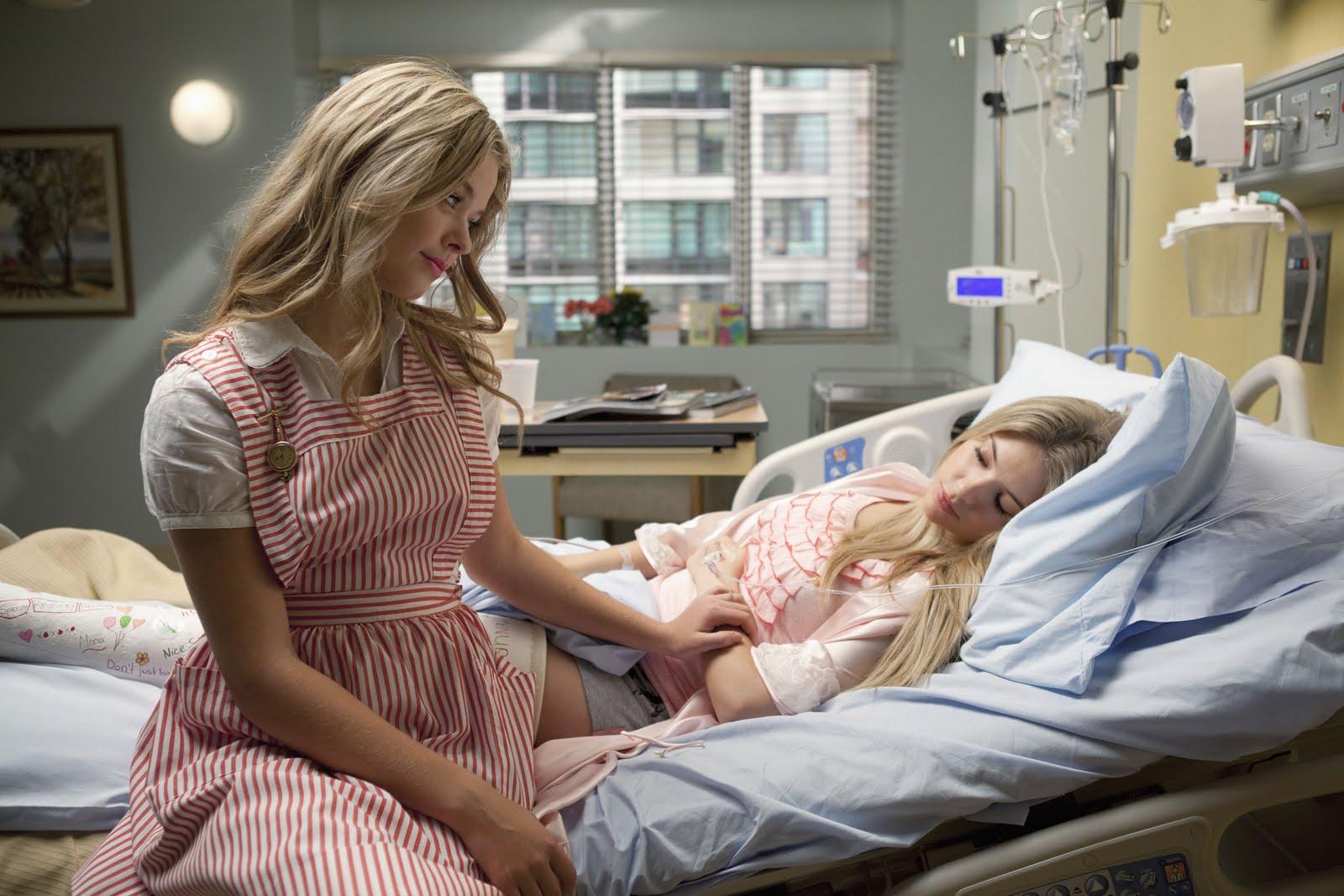 Смотреть девушек лежать в больнице онлайн фото 11 фотография