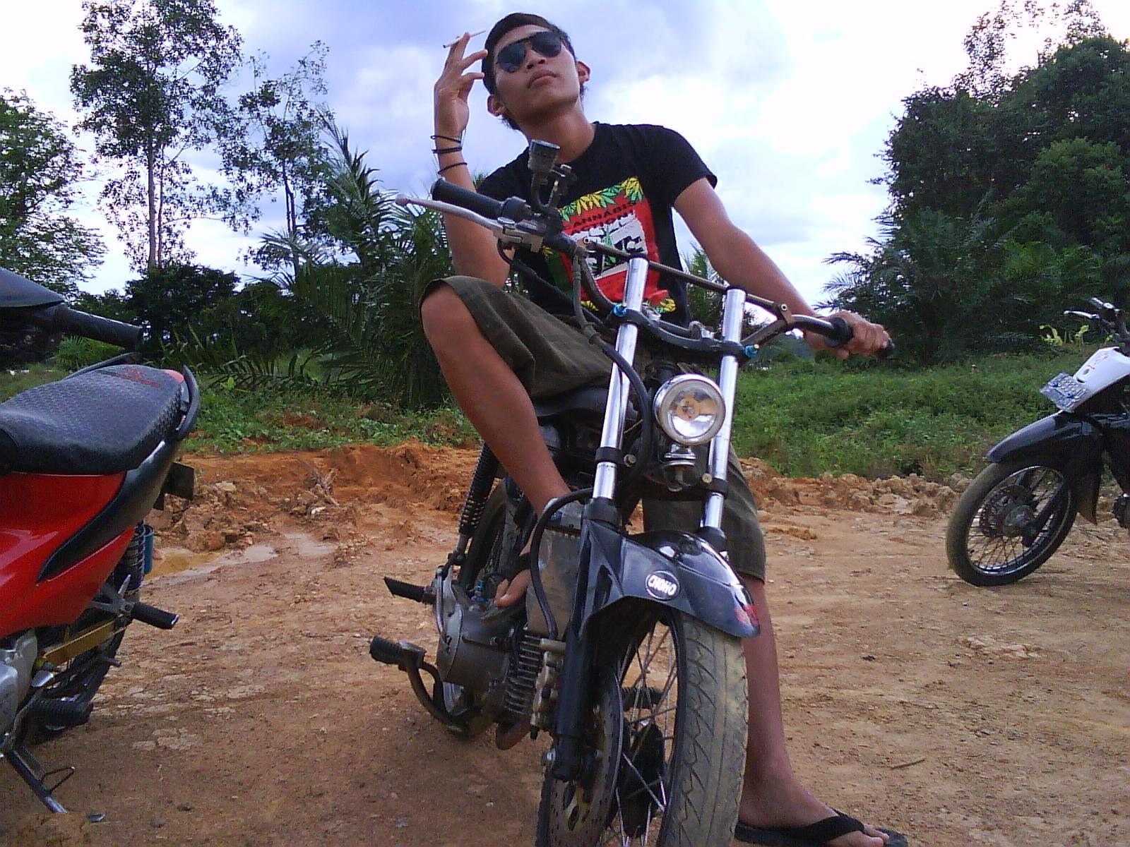 Face Borneo