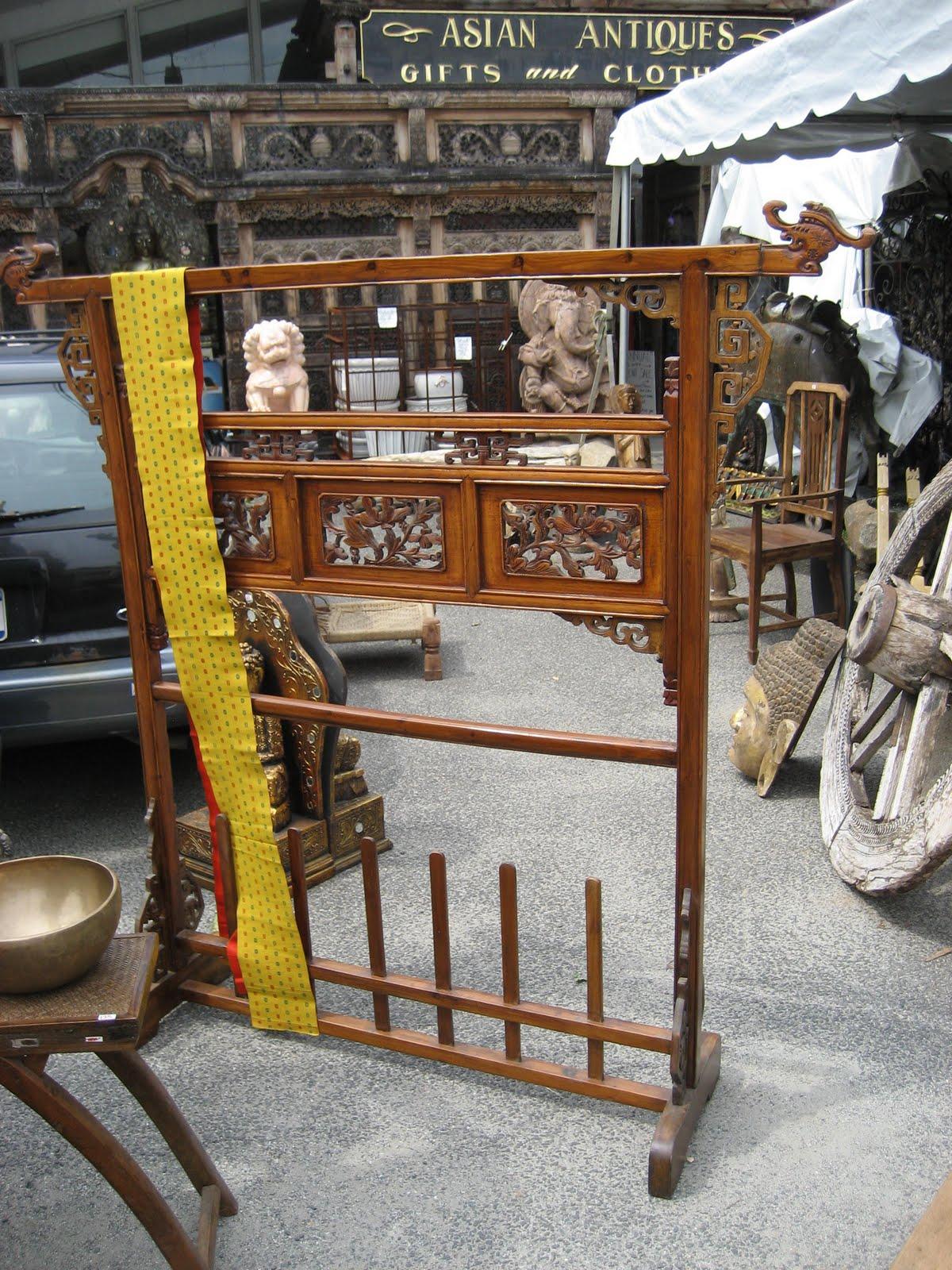 Kimono Stand