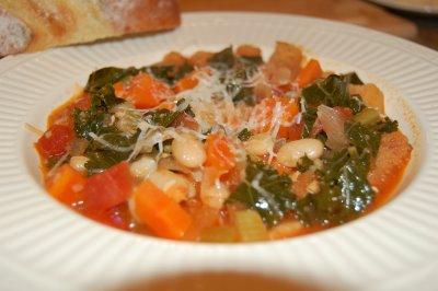 [Italian+Bean+&Rustic+Bread+Soup]
