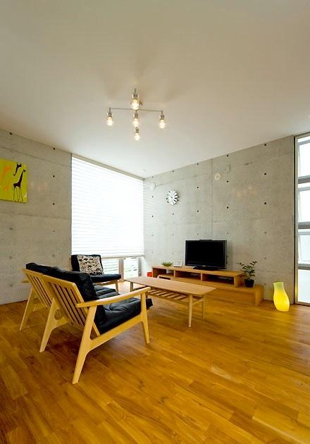 House and design 2011 japanese minimalist townhouse for Japanese minimalist house interior