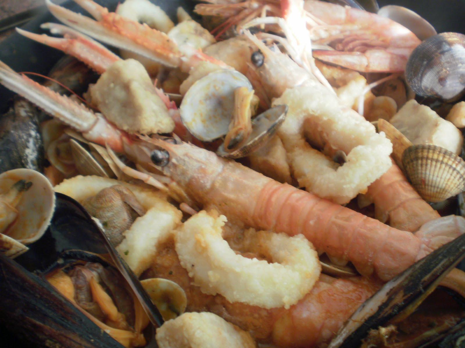 Zarzuela de pescados y mariscos cocinar en casa es for Cocinar zarzuela