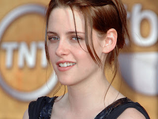 Kristen Stewart Twilight premiere dress and hair