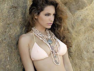 Free unwatermarked wallpapers of Kelly Brook at Fullwalls.blogspot.com