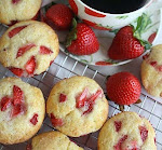 Strawberries & Cream in Muffin form . . .