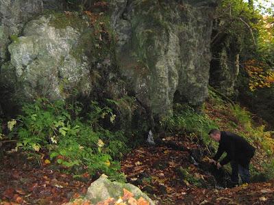 Šumarev grob - izvor u stijeni