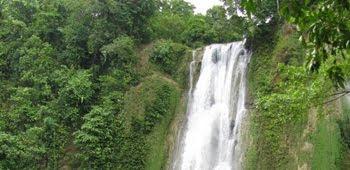 10 Destinasi Wisata Favorit Sekitaran Jakarta & Jawa Barat