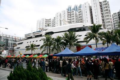 kapal pesiar di kota hongkong
