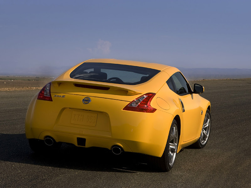 Gambar Mobil Sport Nissan 370Z V6