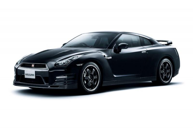 Gambar Mobil Nissan GT-R SpecV 2012