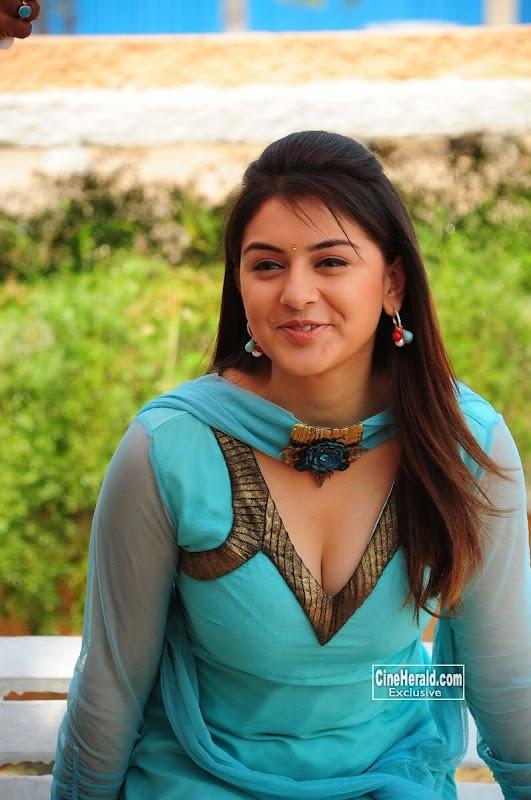 Hot & Sweet Hansika Motwani in Salwar Kameez