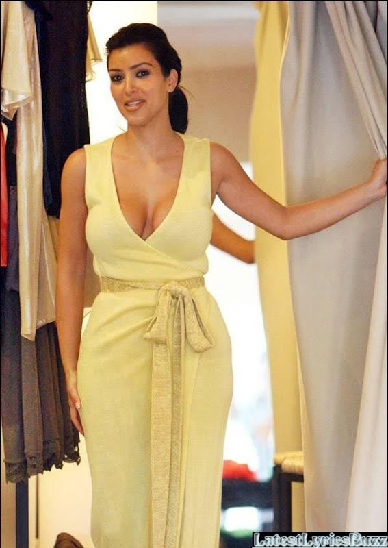 Kim Kardashian Changing Room Pictures while Trying Different Dresses