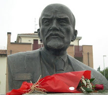 IL BUSTO DI LENIN!