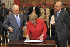 Bachelet promulga ley que crea el Instituto de DD.HH.---24-11-09